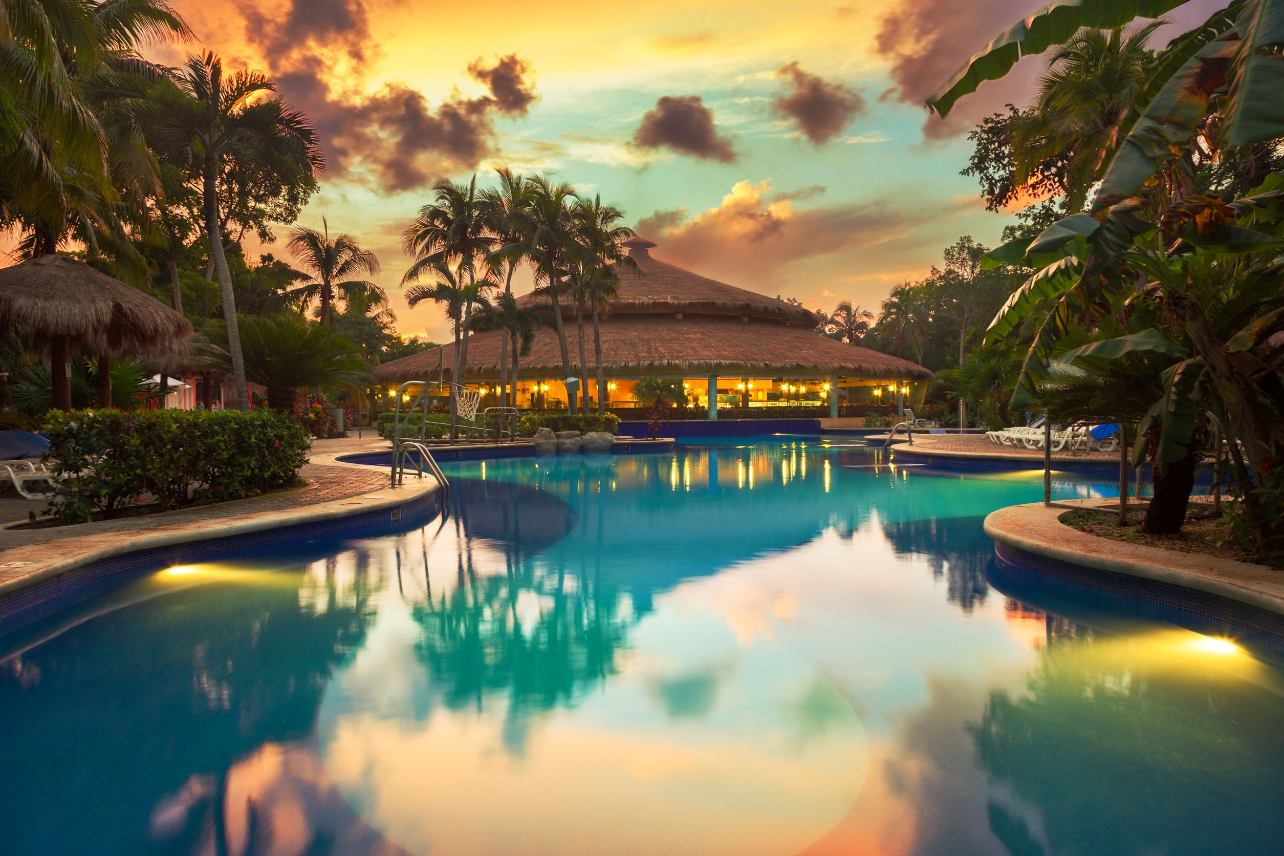 luxury tropical resort swimming pool